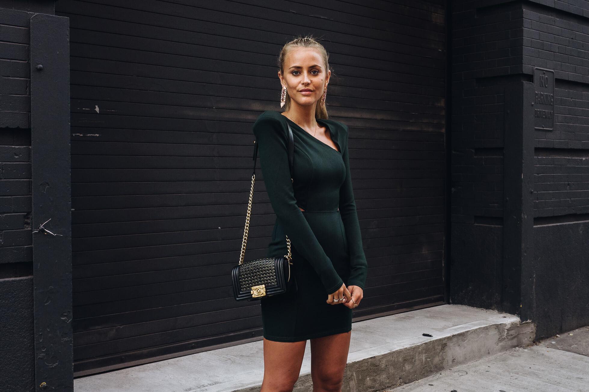 janni-deler-green-dressL1090630-Redigera