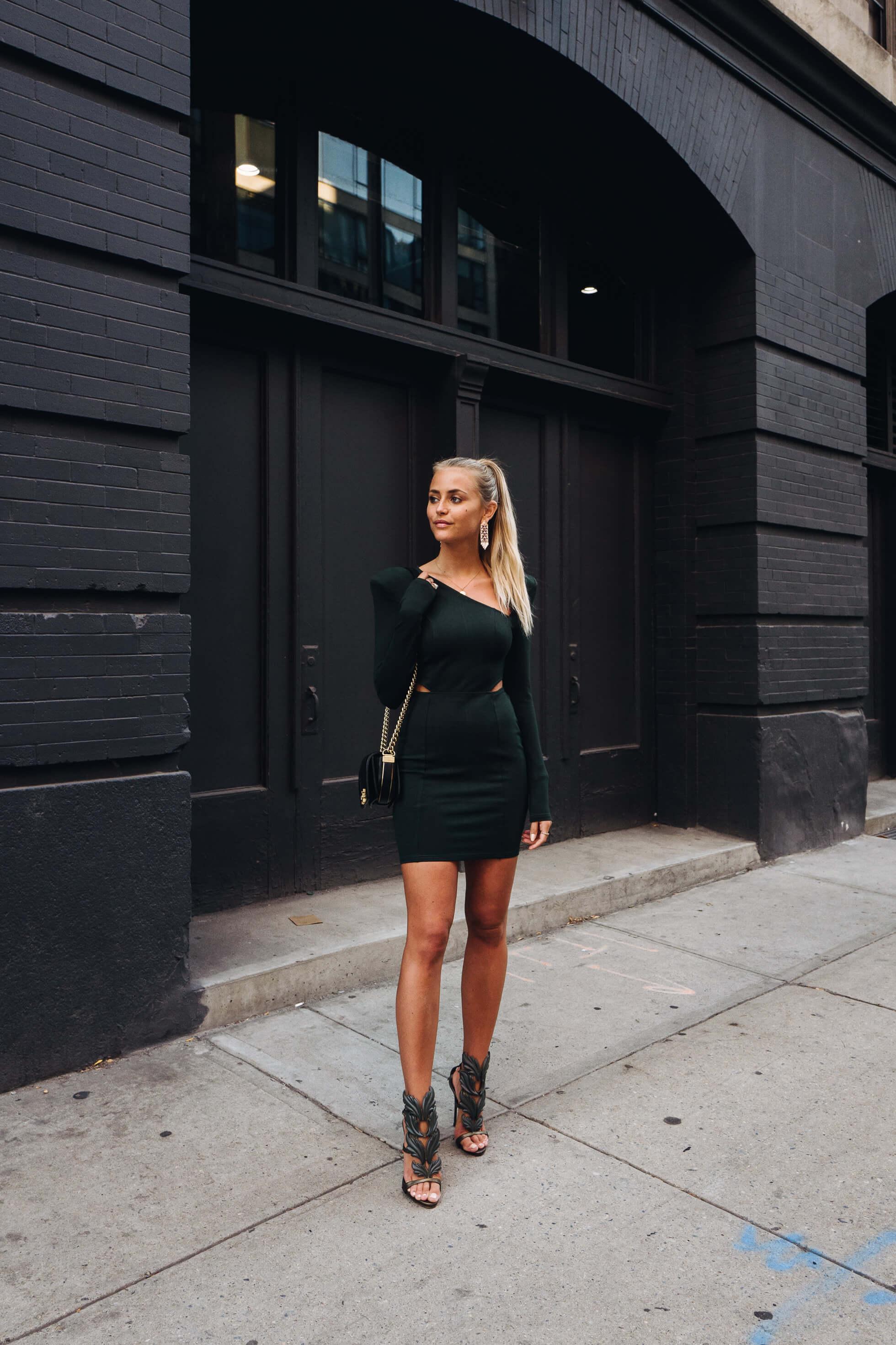 janni-deler-green-dressL1090635-Redigera