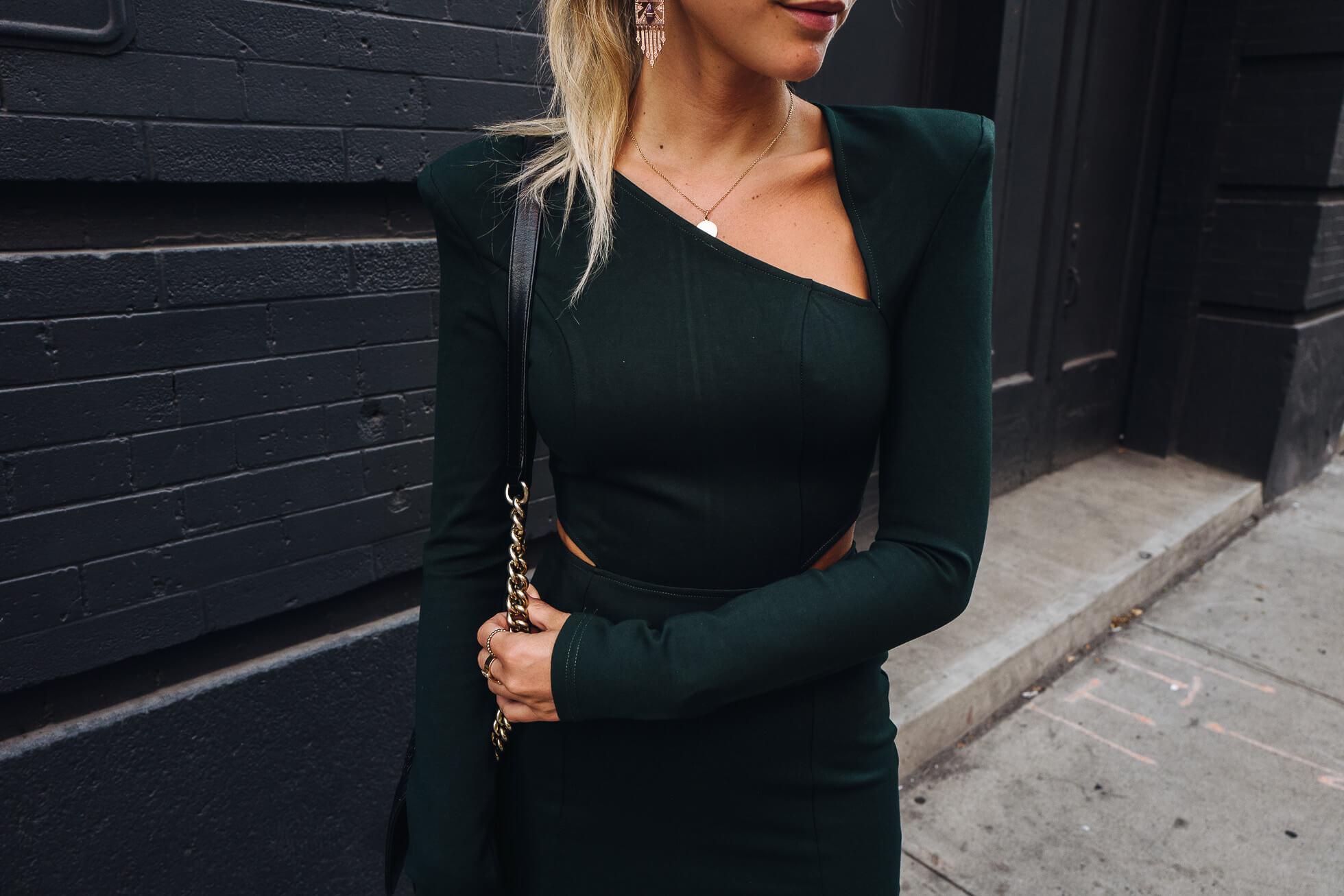 janni-deler-green-dressL1090694-Redigera