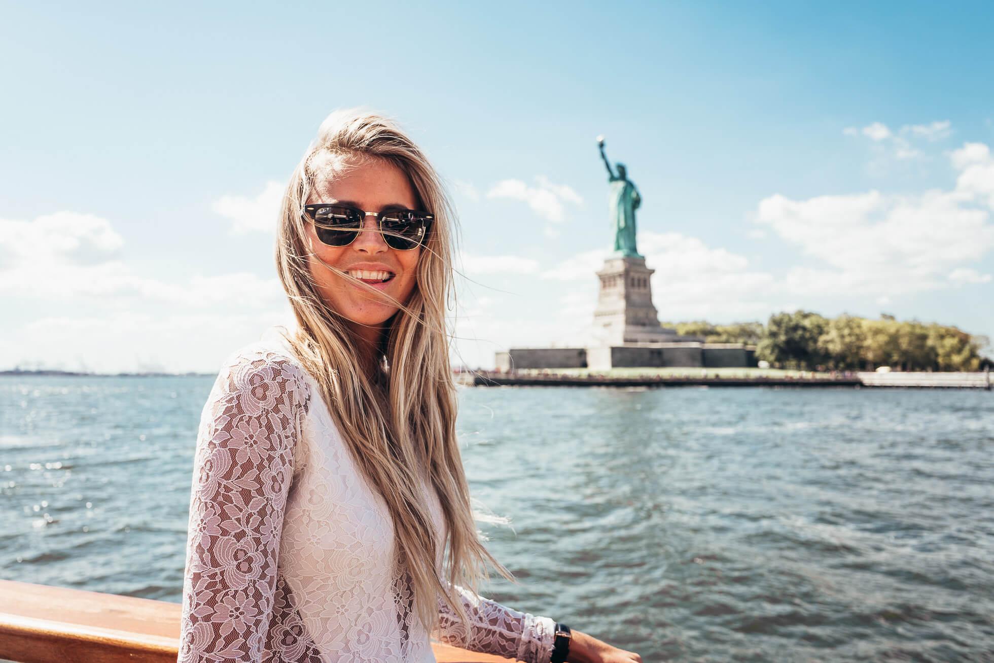 janni-deler-new-york-tour-boatL1090408