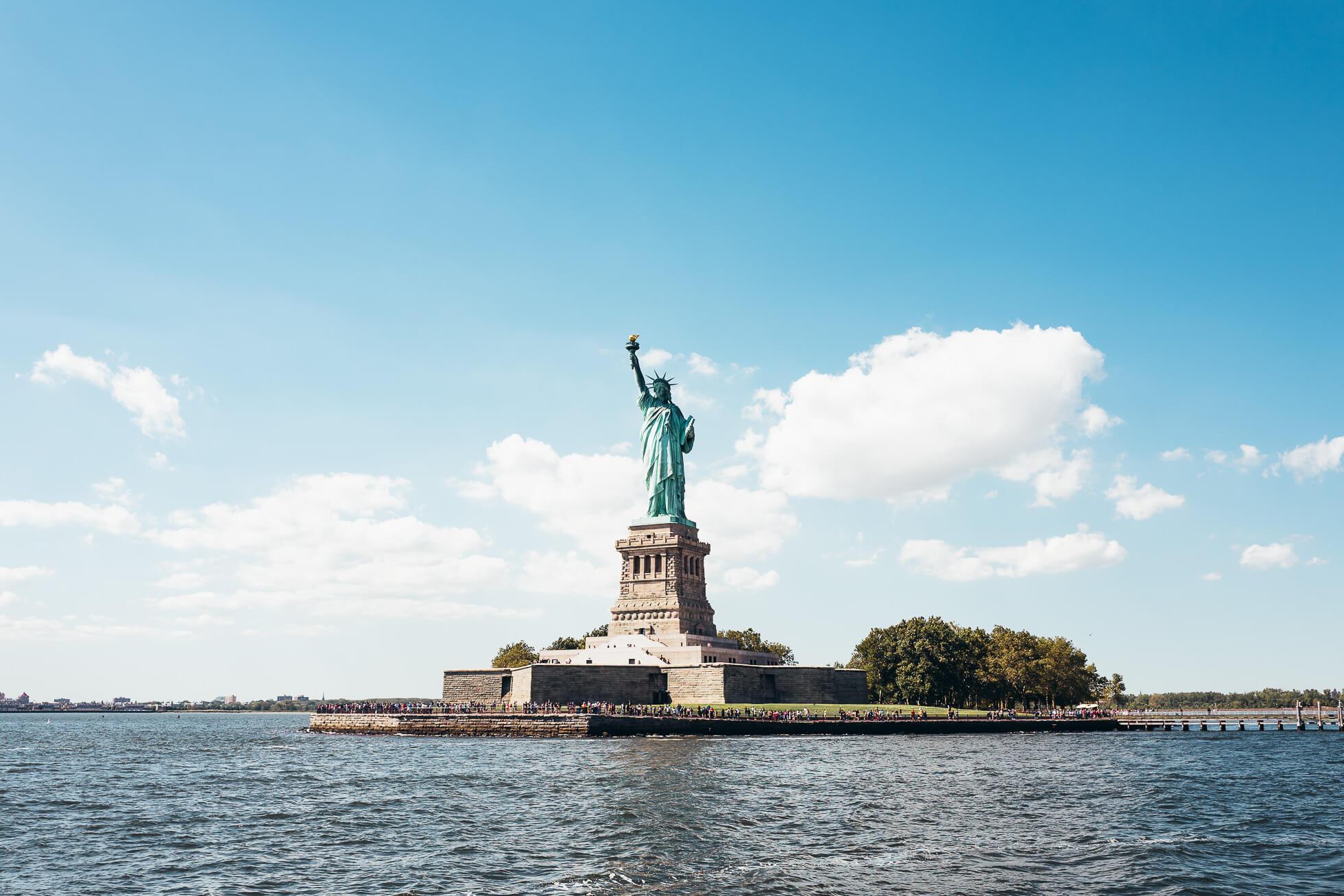 janni-deler-new-york-tour-boatL1090427