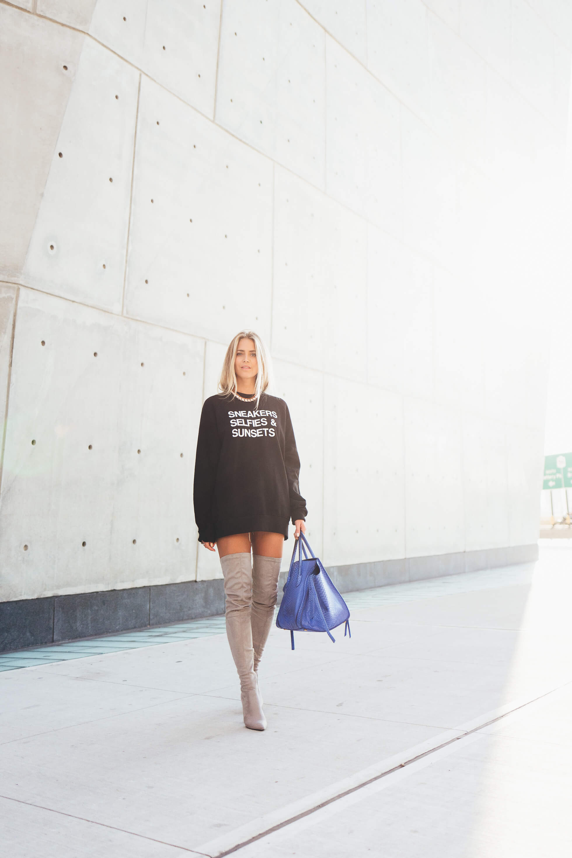 janni-deler-sneakers-selfies-sunsets-sweaterL1090899