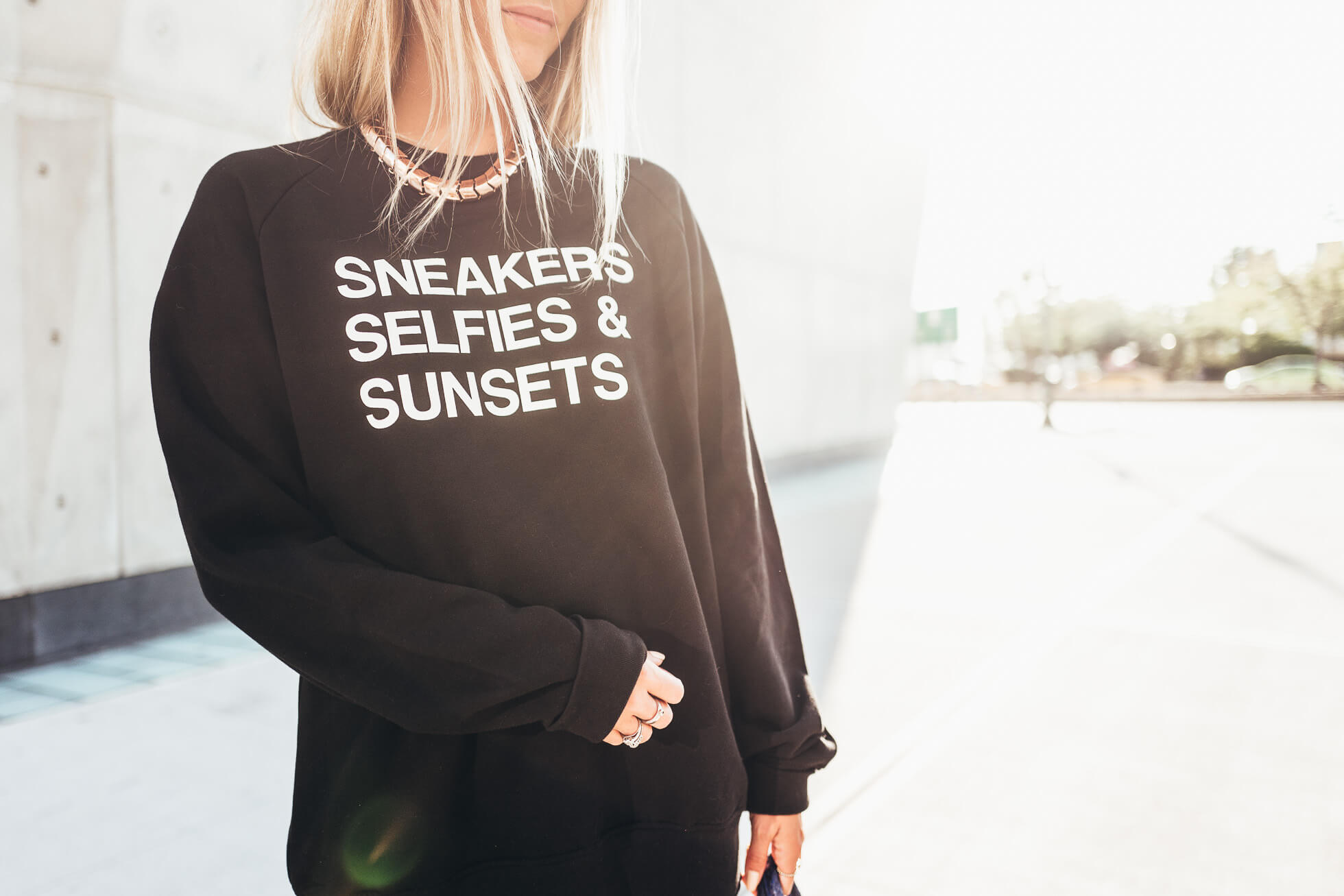 janni-deler-sneakers-selfies-sunsets-sweaterL1090938