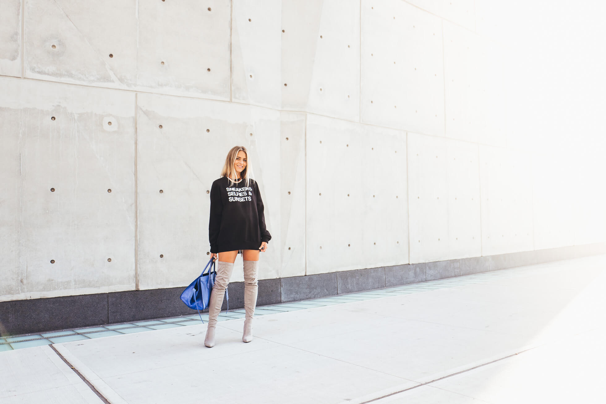 janni-deler-sneakers-selfies-sunsets-sweaterL1090971
