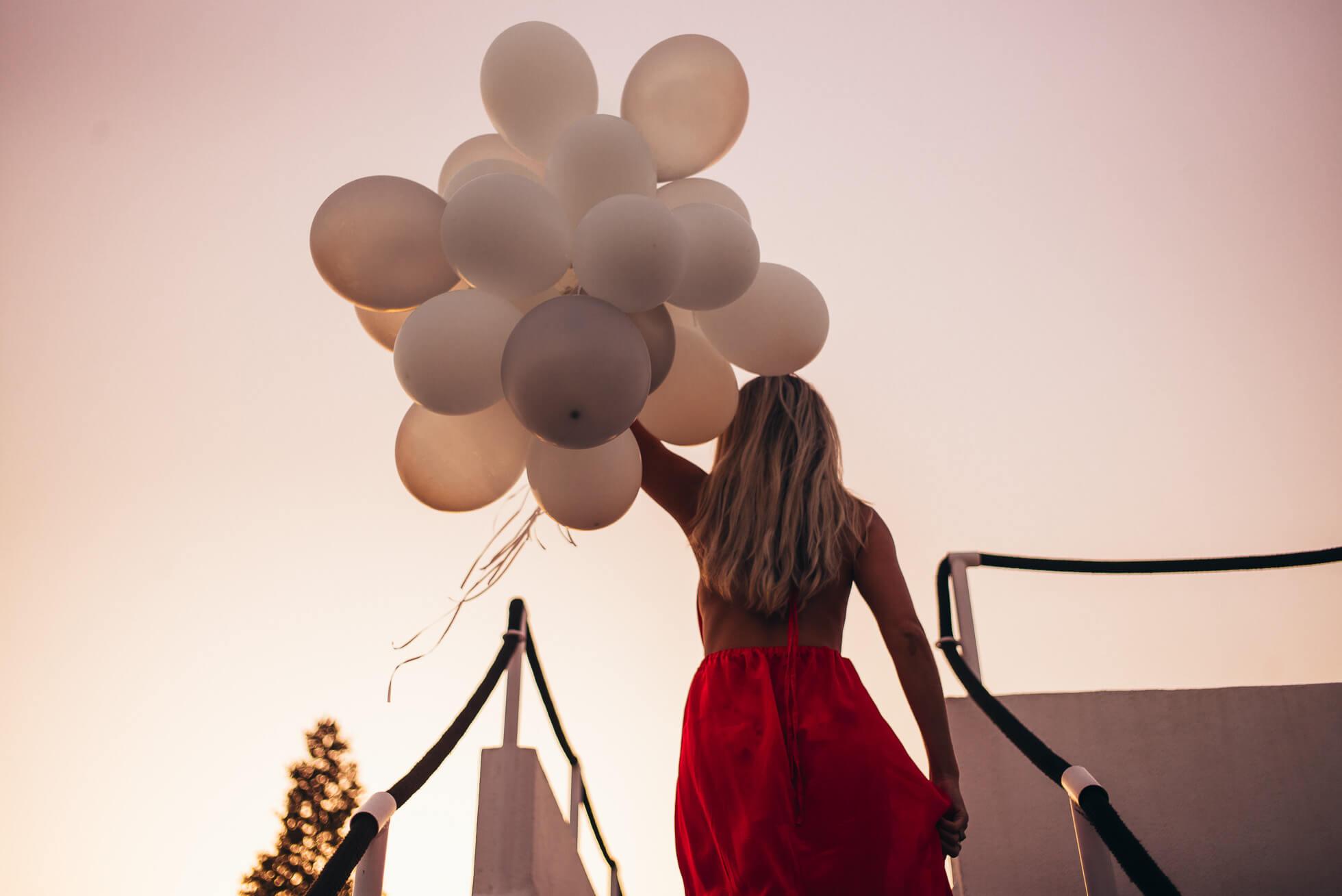 janni-deler-balloon-marbellal1002378