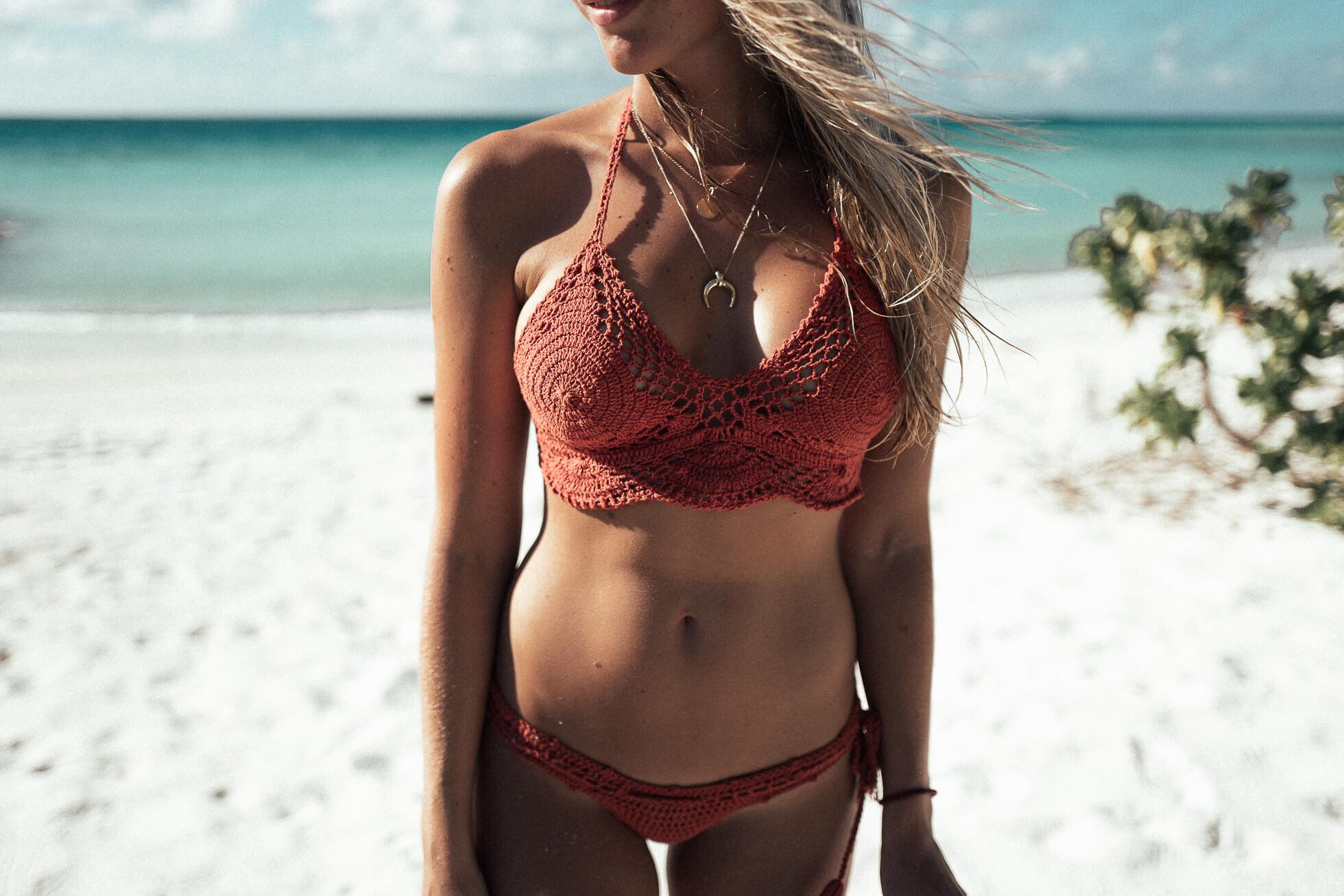 janni-deler-crochet-bikini-maldivesl1120713