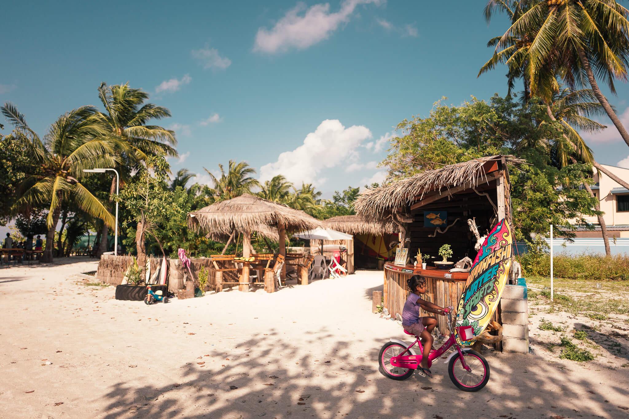 janni-deler-exploring-maldivesl1130522