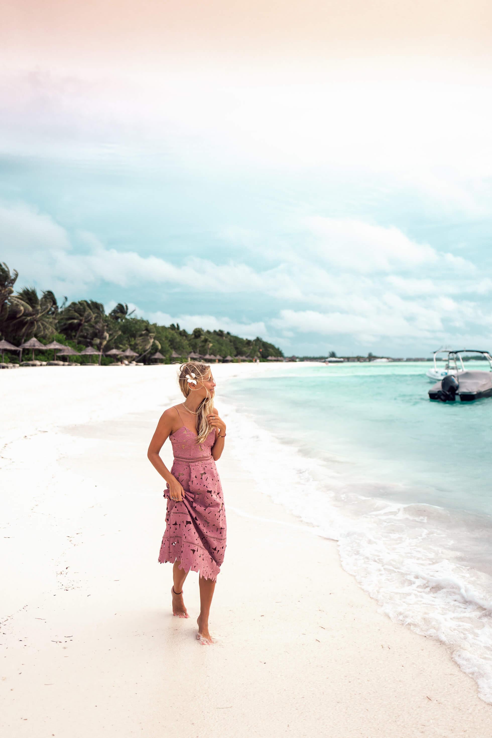 janni-deler-flower-dress-maldivesl1140990-redigera