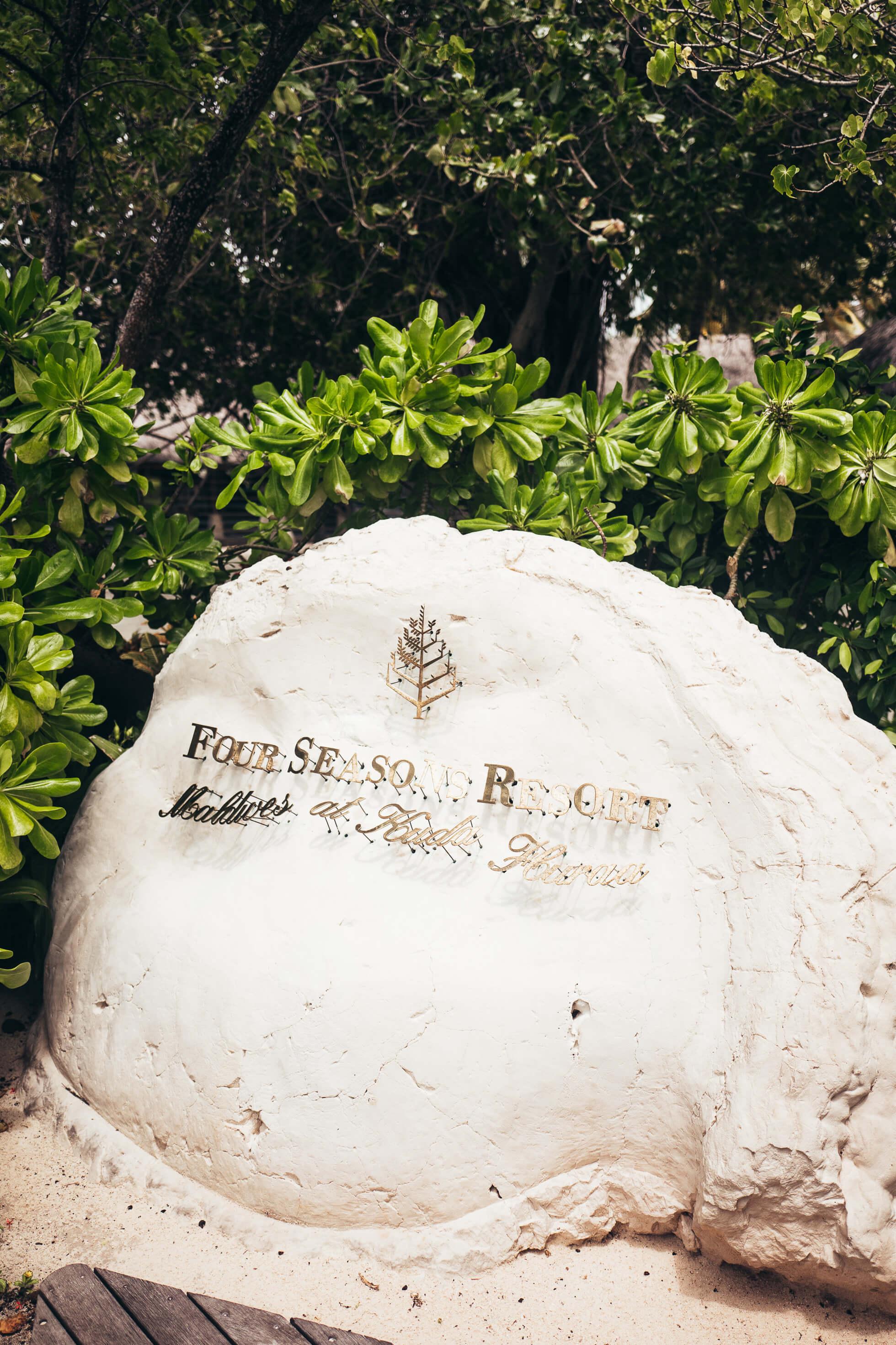 janni-deler-four-seasons-resort-maldivesl1140366
