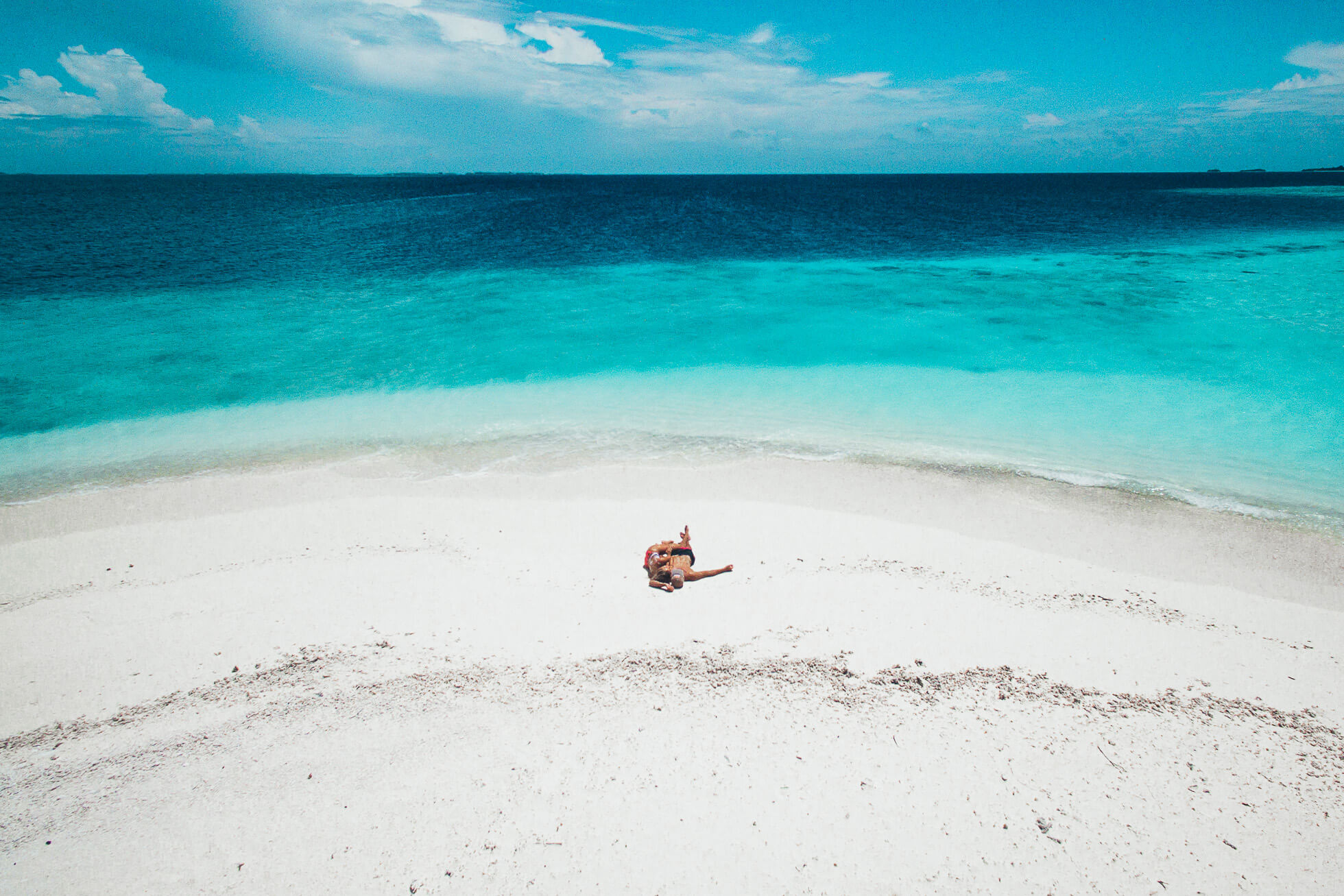 janni-deler-maldives-above-dronedji_0123