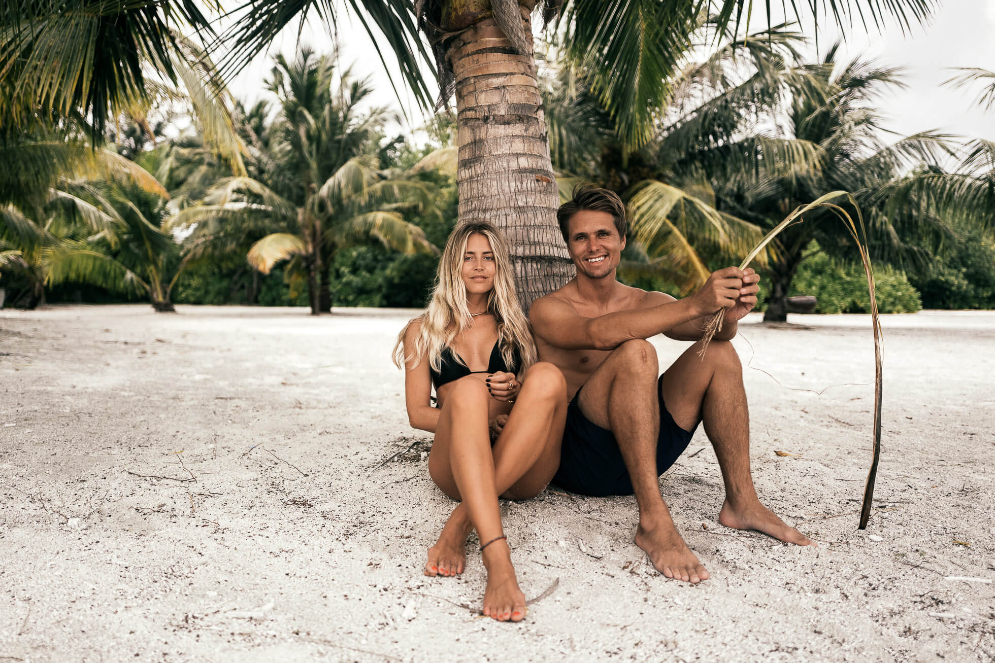 janni-deler-palm-tree-island-maldivesl1130352-redigera-2