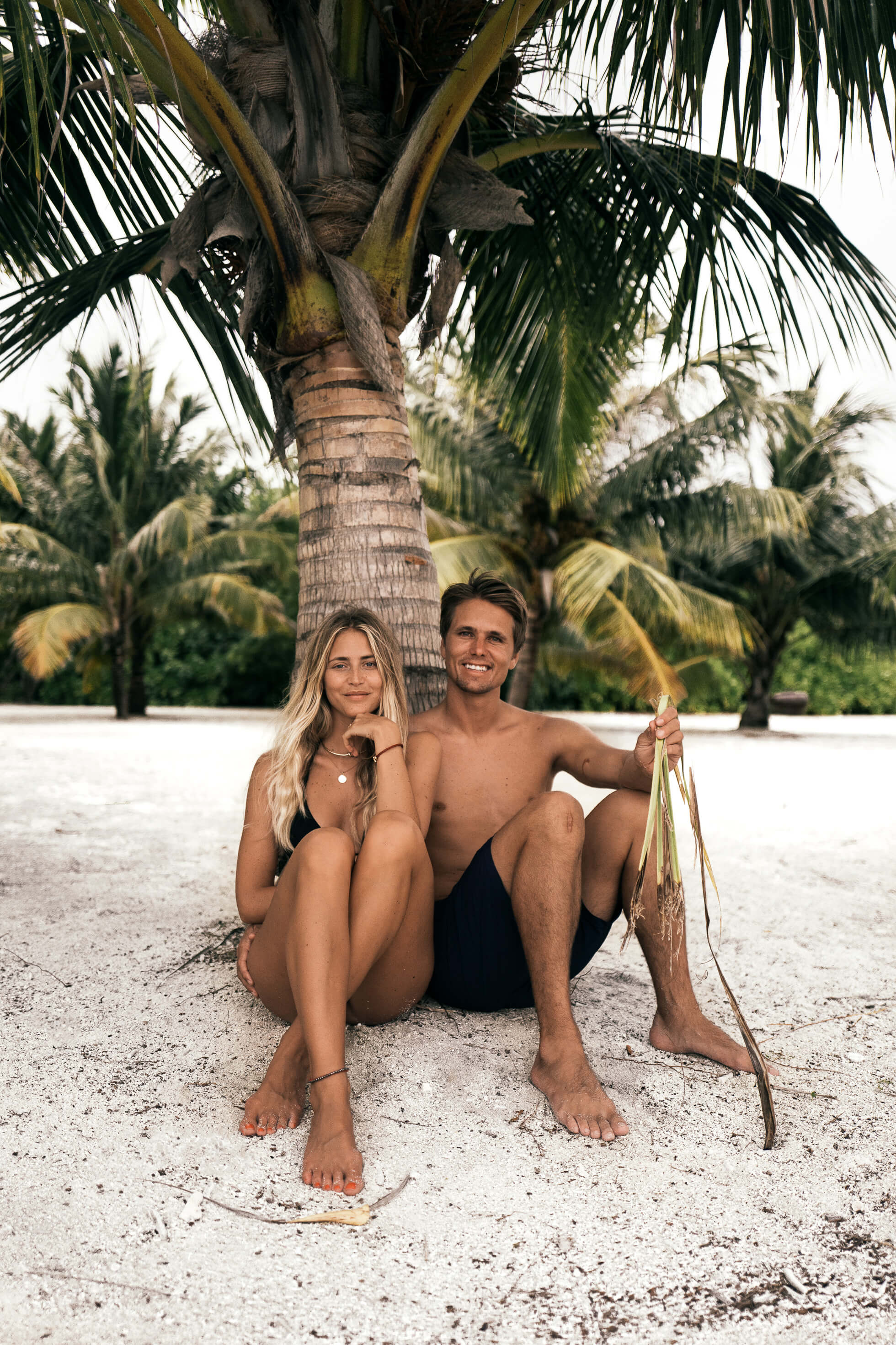janni-deler-palm-tree-island-maldivesl1130365-redigera-2
