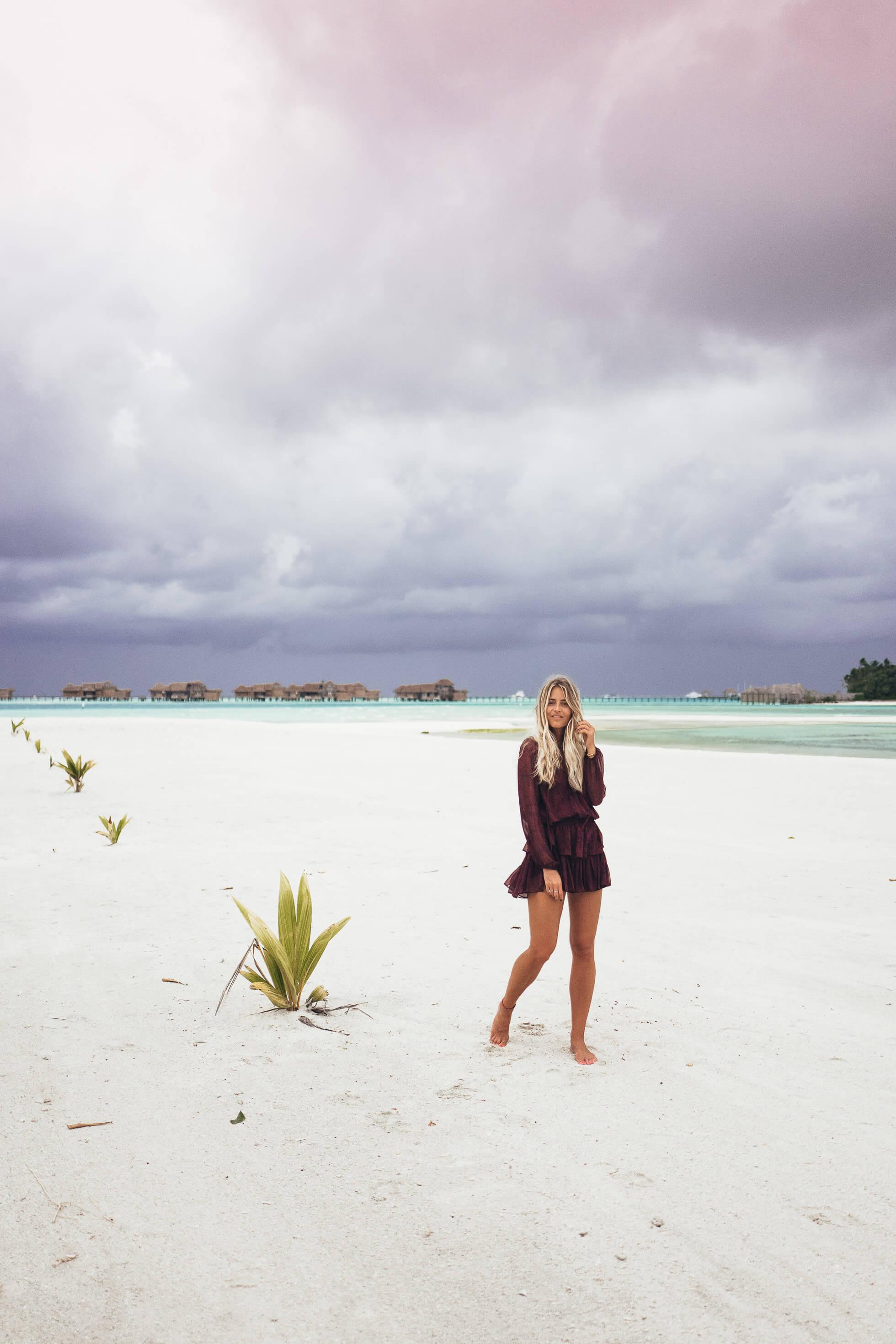 janni-deler-stormy-maldivesl1130411