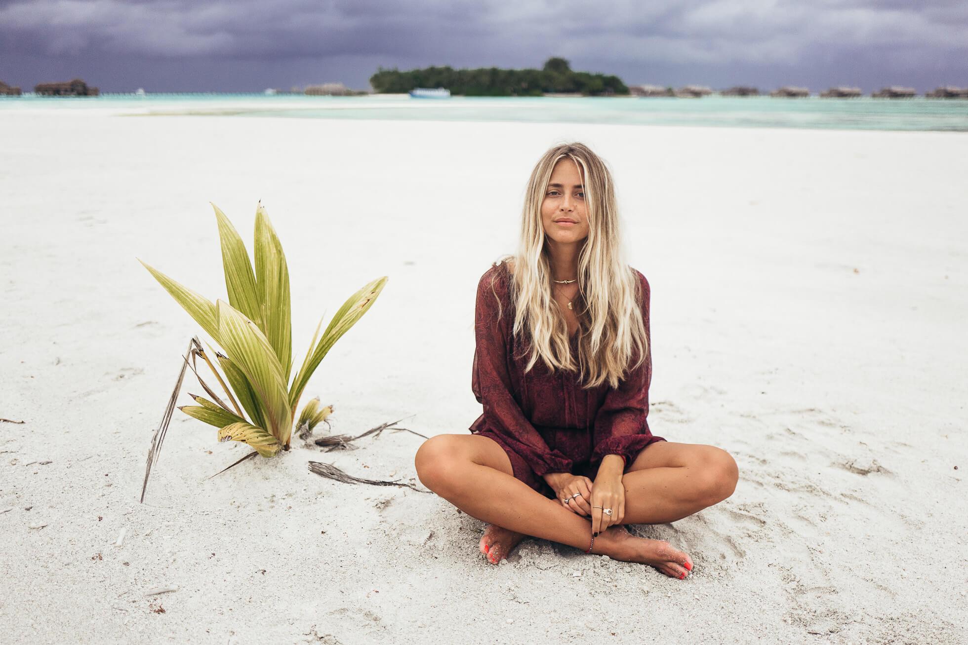 janni-deler-stormy-maldivesl1130464