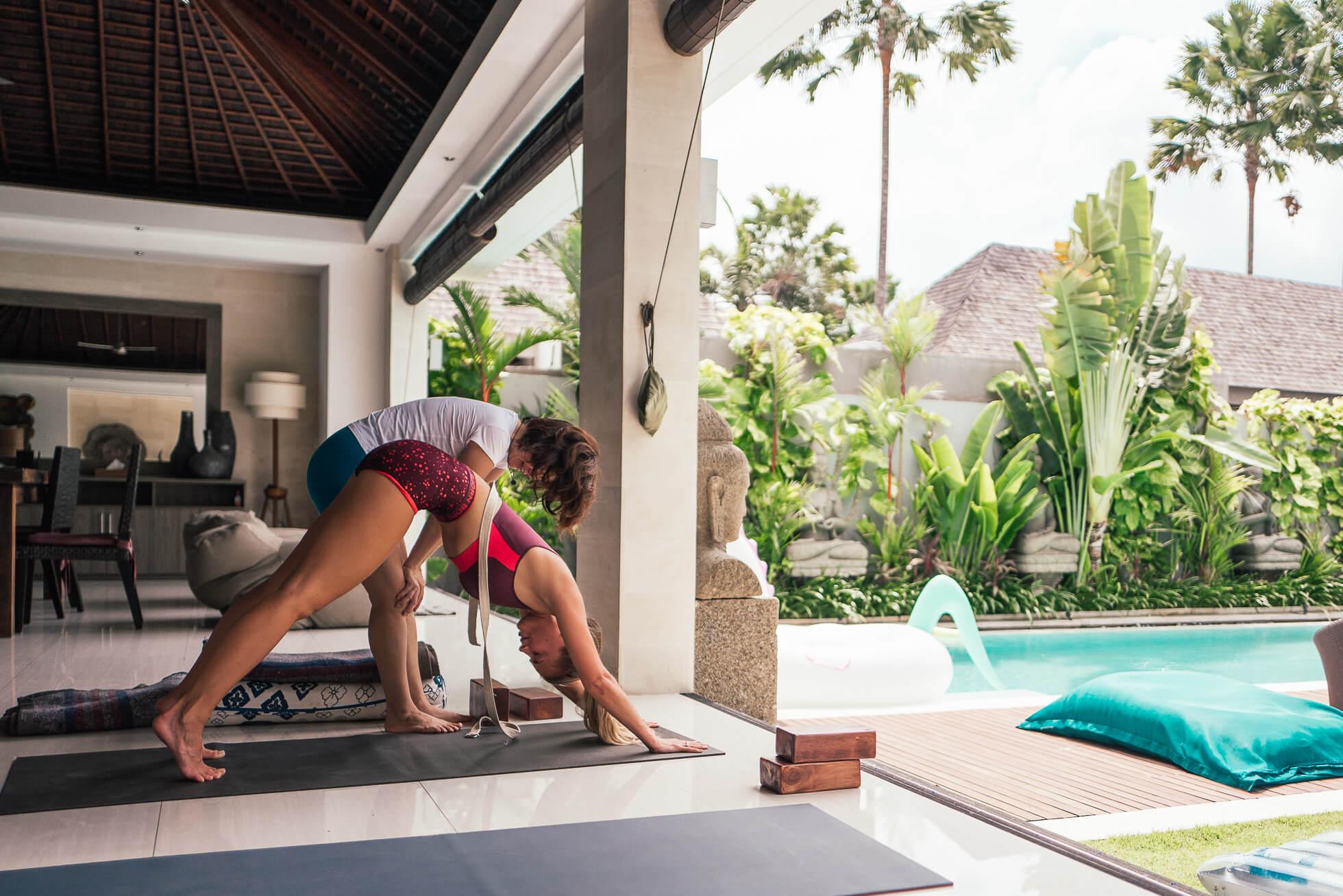 janni-deler-morning-yoga-balil1180593