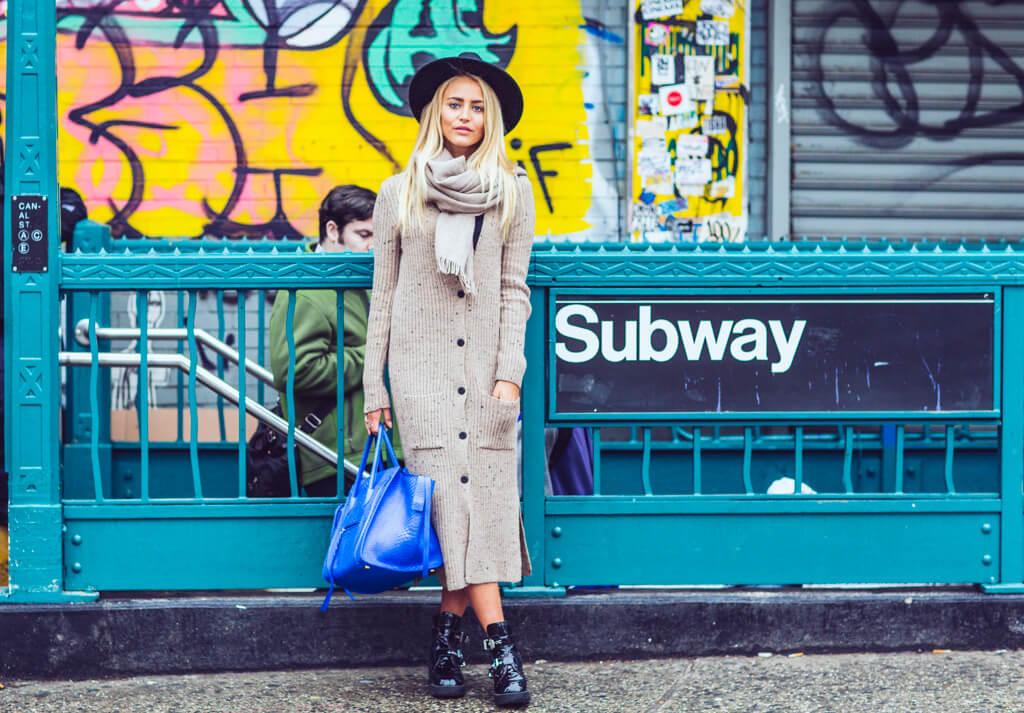 janni-deler-subway-newyork5f4a9427